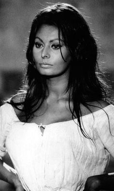 Sophia Loren 1964 by Steve Schapiro