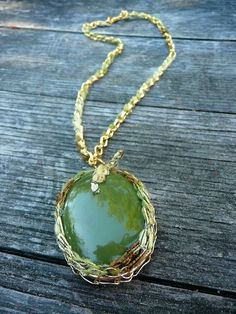 Caroline - Green and gold necklace