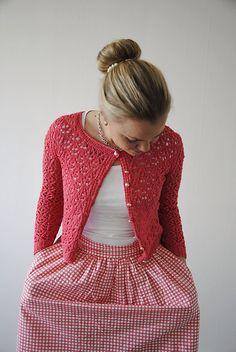 This is already in my queue! On Ravelry: Surry Hills pattern by Maria Magnusson (Olsson) - Free Knitting Pattern