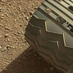 Twitter / MSL_101: One of Curiosity's Wheels in high res (IT'S THE SURFACE OF MARS, PEOPLE!!!)