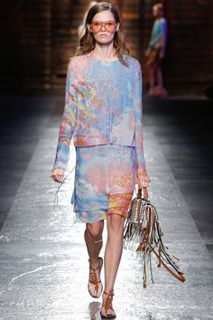 Emilio Pucci - SS2016 More subtle pattern from Pucci, yet just as gorgeous. And pulls in all the colours for 2016--pale pink and pale blue. Love! #threesistersknit #etsyseller #PantoneColorof2016