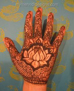 Lotous-flower-mehndi-design-for-womens.jpg (370×458)