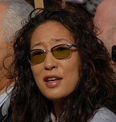 Sandra Oh (Nepean (Ontario), 20 juli 1971) is een Canadese actrice van Koreaanse afkomst. Zij won in 2006 een Golden Globe voor haar rol als Dr. Cristina Yang in de televisieserie Grey's Anatomy.