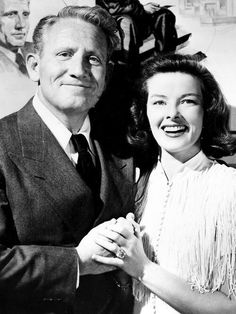 Spencer Tracy and Katharine Hepburn. They are so in love, to bad Spencer had a wife for life she refused to divorce him so he could marry Audrey Hepburn. So they had a house of there own together far away from his wife! Hollywood Couples, Hollywood Icons, Hollywood Actor, Golden Age Of Hollywood, Hollywood Glamour, Hollywood Stars, Classic Hollywood, Old Hollywood, Connecticut