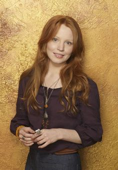 Lauren Ambrose in The Return of Jezebel James Lauren Ambrose, Red Headed Actresses, Red Heads Women, Red Hair Woman, Different Shades Of Red, Female Character Inspiration, Gorgeous Redhead, Simply Red, Redhead Girl