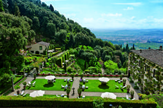 Stay at Belmond Villa San Michele, one of the best small luxury hotels in Florence. With a facade attributed to Michelangelo, it's a true Renaissance work of art. Honeymoon Hotels, Best Honeymoon, Honeymoon Destinations, Blue Crush, Places In Italy, Places To Go, Michelangelo, Maldives, Kendall Jenner