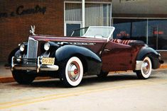 1940 Packard Darrin, Mein erster Oldtimer-Schuss - 1966 - old cars - Auto Auto Retro, Retro Cars, Vintage Cars, Austin Martin, Classy Cars, Old Classic Cars, Cabriolet, Us Cars, Sport Cars