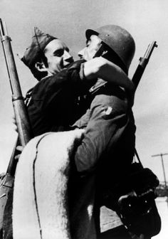 Aragón, Spain. Republican soldiers in the Aragón front. By Robert Capa, ( August-September 1936)