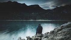 Faire ses délices de Dieu PSAUME 5:12‑13  Dans les Écritures, nous voyons à maintes reprises des croyants jouir de la présence de leur Dieu. Il arrive que nous nous demandions pourquoi notre expérience diffère de la leur.  Si nous ne faisons pas régulièrement nos délices du Seigneur, c'est peut‑être que certains obstacles nous en empêchent.  1. Nous ne connaissons peut‑être pas Dieu.  Nous ne pouvons avoir une relation personnelle avec le Père que par son Fils, Jésus. Quand nous croyons en…