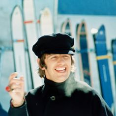 "Ringo had watt"" smile! The Beatles Members, The Beatles Help, Ray Charles, Ringo Starr, Great Bands, Cool Bands, Richard Starkey, Lennon And Mccartney, Beatles Songs"