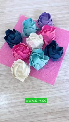 Cool Paper Crafts, Paper Flowers Craft, Paper Crafts Origami, Diy Crafts For Gifts, Flower Crafts, Diy Paper, Paper Art, Paper Origami Flowers, Paper Flower Art