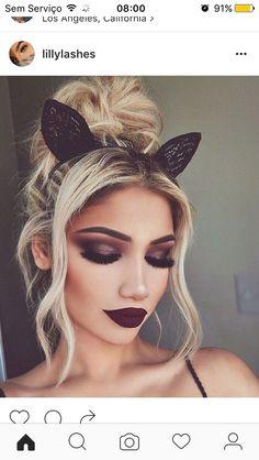 Gata make up blond baton roxo
