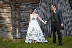 Wedding dress from the movie Sabrina. A copy of Audrey Hepburn's wedding dress. Real wedding in Finland. Dress by www.pukuni.fi.