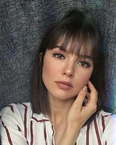36 New Trendy Bob Hairstyles with Bangs Informations About 36 Neue Trendige Bob Frisuren Mit Pony Pi Haircuts Straight Hair, Bob Hairstyles With Bangs, Short Hairstyles For Women, Straight Bangs, Short Hairstyles With Fringe, Lob With Bangs, Hairstyle Short, Simple Hairstyles, Weave Hairstyles