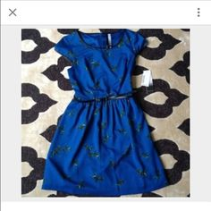 Kensie bird dress Pretty dress with faux black leather trim. It's missing a thin black belt but any can be used or none. Kensie Dresses Midi