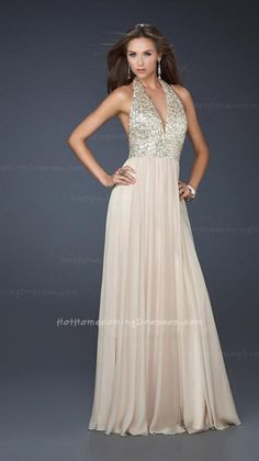 Sexy halter top dress with sequined on the bust, followed by a full chiffon skirt. Perfect for Selected Bridal, Winter Formal, Homecoming, Cruise and Prom. http://www.hothomecomingdresses.com/