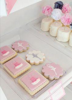 Ballerina cookies + DIY pouf mini cake toppers