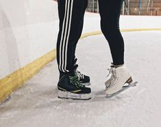 Best Picture For Hockey Boyfriend captions For Your Taste You are looking for something, and it is going to tell you exactly what you are looking for, and Cute Relationship Goals, Cute Relationships, Eislauf Outfits, Cute Couples Goals, Couple Goals, Ice Skating, Figure Skating, The Deal Elle Kennedy, Couple Tumblr