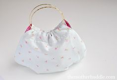 Bracelet purse for girls tutorial from Destri.  Could make it to match any outfit.  Some easy sewing