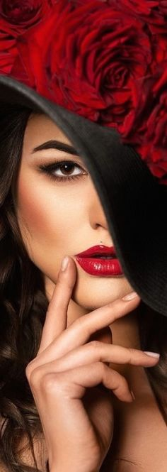 quenalbertini: Black and red Shades Of Red, Red Fashion, Red Lipsticks, Lady In Red, Red Roses, Beautiful Women, Color Boards, Style, Glamour Shots