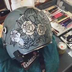 Biltwell Rose Art- Custom Motorcycle Art by artist Kayla Koeune. Hand painted flowers on a motorcycle helmet from Biltwell. Motorcycle Helmet Design, Custom Paint Motorcycle, Motorcycle Tattoos, Futuristic Motorcycle, Motorcycle Tank, Women Motorcycle, Helmet Drawing, Cool Motorcycles, Vintage Motorcycles