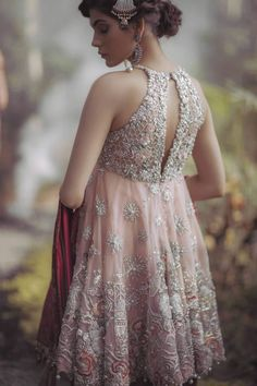 #ELAN Store #embroidery #embellishments #details #motifs #floral #nature #fashion #dabka #zardozi #zardosi #zari #chikankari #lucknowi #lucknawi #kadaai #style #pattern #stitches #stitching #stitch #embroidered #flowers #symbols #gold #white #silver #mirror #phulkari #indian #pakistani #pearls #pearl #punjabi #pink #peach #neckline