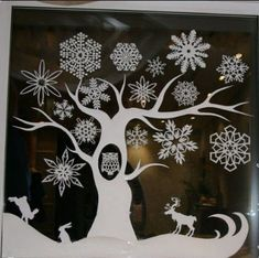 Pretty to put in front of the fireplace. Christmas Window Decorations, Christmas Door, Winter Christmas, Christmas Time, Diy And Crafts, Christmas Crafts, Christmas Ornaments, Window Art, Diy Weihnachten