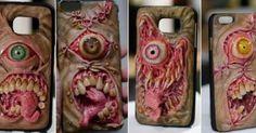 Ich bezweifle ja, dass die Smartphone-Hüllen von Morgan Loebel in Sachen Schutz sehr weit vorne liegen, auch in Sachen Schönheit werden sich hier sicherlich die Geister dran scheiden. Ich finde die Hüllen aus der Hölle schlicht grossartig! So eine Hülle kann natürlich auch dafür sorgen, dass zwielichtige Gestalten von Vornherein die Finger von eurem Smartphone [ ]
