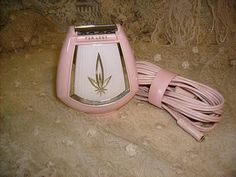 Women's Electric Razor... wish I had kept mine, my first razor and looked just like this one.