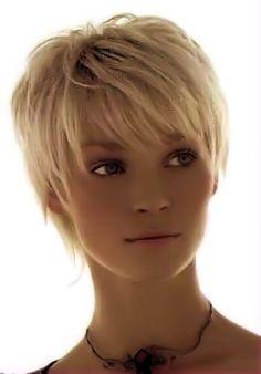 Court-coiffures avec des pointes de plus ! Ouais, c'est ce que tout le monde veut avoir droit? Quelle belle coiffure! ❤ ❤