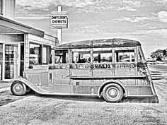 1930's School Bus And Daylight Donuts By Jfantasma Photography  I bet for sure I could grab some #coffee here in a pinch! lol