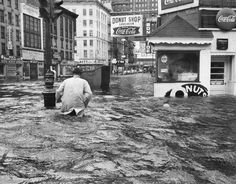 Sept. 12, 1960: Flooding on West and Cortlandt Streets, brought by Hurricane Donna, which laid waste to Florida and on up the East Coast.  Photo: Allyn Baum/The New York Times
