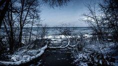 Outbound. #MKE #milwaukee #vsco #vscocam #vscogram #nature #naturelovers #l4l #creatoreexplore #igmilwaukee #igaddict #way2ill #shoot2kill #winter #thecreatorclass #thefeaturepage #explorersofphotography #explore #traveling #travelgram #travel #igers #igmilwaukee #l4l #lakeview #landscapes #agameoftones #photographers #photographer #igcapturesclub by m_mascheri