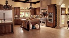Make your kitchen cabinet designs and remodeling ideas a reality with the most recognized brand of kitchen and bathroom cabinetry - KraftMaid. Kraftmaid, Tuscan Kitchen, Kitchen Cabinet Design, Spacious Kitchens, Oak Kitchen, Bathroom Cabinetry, Kraftmaid Kitchen Cabinets, Best Kitchen Designs, Kitchen Design