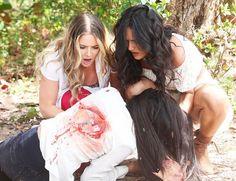 Andrea e Irina corren a ayudar a su hermana #KimberlyDosRamos #AnaLorenaSanchez #ScarletGruber