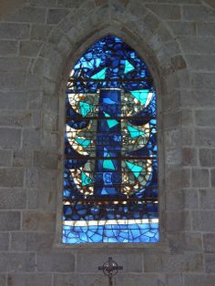 Georges Braque blue stained glass window in the church of Varengeville-sur-Mer by Rafaèle Larazoni | Flickr