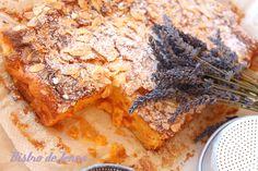 Flan aux abricots et croquant d'amandes INGREDIENS: - 600 g d'abricots, - 100 g de farine, - 150 g de sucre en poudre, - 50 g d'amandes effilées, - 3 oeufs, - 100 g de beurre, - 1/2 sachet de levure, - 1 tasse de lait - sel. >...