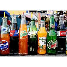Men with osteoarthritis of the knee may want to avoid sugar-packed soft drinks. That's the advice of researchers who found that drinking sugary soda is associated with progression of the disease in men. Pop Bottles, Glass Bottles, Fiesta Theme Party, Learning To Be, Fresh Fruit, Coca Cola, Pepsi, Beer Bottle, Childhood Memories