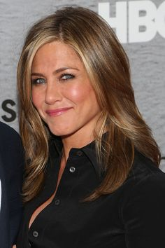 Jennifer Aniston glows at 'The Leftovers' premiere in New York City. via StyleList | http://aol.it/1palR2l