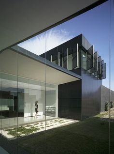 Image 13 of 30 from gallery of Funeral Home and Garden in Pinoso / Cor & Asociados. Photograph by David Frutos Architecture Today, Interior Architecture, Interior And Exterior, Bauhaus, Agi Architects, Funeral Ceremony, Innovation Design, Business Innovation, Home And Garden