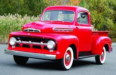 Vintage Trucks The Streetbeater - 1951 Ford - Ford's was a b - Hemmings Motor News - Ford's was a beloved American icon before it became a sitcom star - The Streetbeater - 1951 Ford from the July, 2010 issue of Hemmings Classic Car 1951 Ford Truck, Old Ford Trucks, Old Pickup Trucks, Diesel Trucks, Pickup Camper, Ford Diesel, Farm Trucks, Jeep Pickup, Car Ford