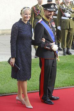 Свадьба принца Гийома и Стефани де Ланнуа: религиозная церемония - прибытие гостей и молодых: ru_royalty