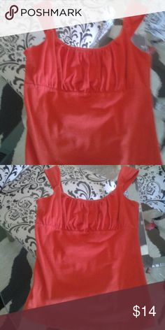 Tco. Top MED. So cute on. Dark orange, so soft and looks great on. Bundle to save. Tops Tank Tops