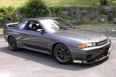 Nissan Skyline GTR is the best modern shape skyline there is. Nissan Skyline Gtr R32, Gtr Nismo, Nissan Gtr Skyline, Tuner Cars, Jdm Cars, Nissan Infiniti, Japan Cars, Dream Cars, Garage