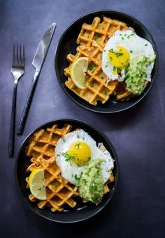 Sweet Potato Waffles, Homemade Guacamole and Frozen Egg - Waffle Recipe o . Veggie Recipes, Vegetarian Recipes, Healthy Recipes, Breakfast And Brunch, Breakfast Recipes, Breakfast Ideas, Egg Waffle Recipe, Sweet Potato Waffles, Homemade Guacamole