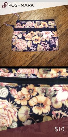 """🌸 Floral Clutch Wristlet Wallet Bag Purse 21 This floral clutch is super cute! It's made of a soft material & has an outer pocket & a large main pocket. Its about 8""""x6"""" & in great condition! I have lots of clothing & accessories in similar styles, check out my closet! & Thanks for looking! :) Bags Clutches & Wristlets"""