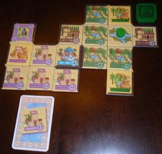 In Alhambra, players are acquiring buildings to be placed within their Alhambra complex.
