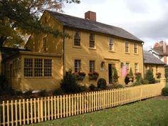 FARMHOUSE – vintage early american farmhouse in a primitive colonial saltbox style. Colonial House Exteriors, Colonial Exterior, Colonial Style Homes, Colonial Architecture, Exterior Houses, Stucco Exterior, Exterior Signage, Exterior Lighting, Modern Exterior