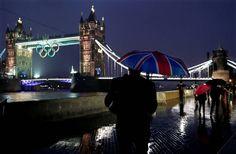 [Foto del día]   Londrés se prepara para los Juegos Olímpicos 2012    (AP Photo/Jae C. Hong) AP