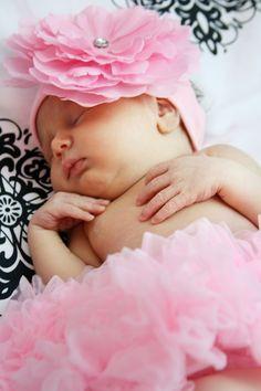 Newborn picture baby girl